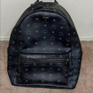 Mcm medium visetos backpack